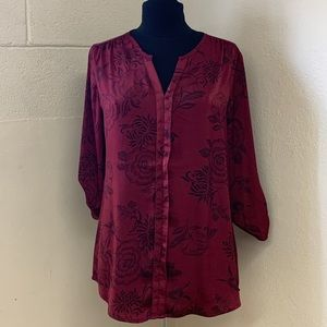 Maurices Tops - Silk perfect blouse with floral pattern